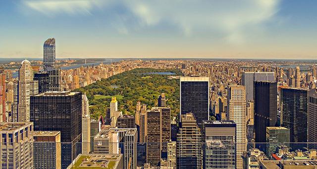 Após anúncio da Azul, busca de passagens aéreas para Nova York cresce 54%