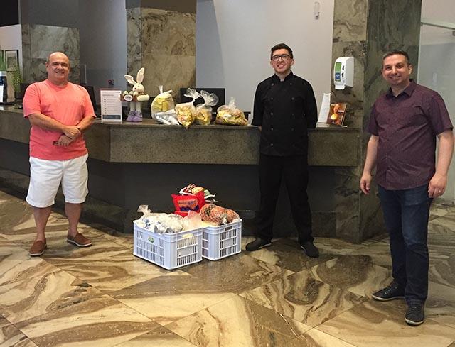 Rede Slaviero doa alimentos para entidades beneficentes