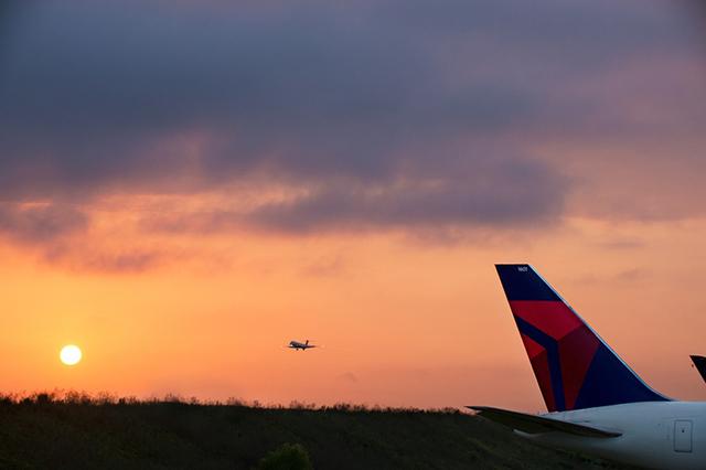 Devido à pandemia, Delta estende a validade de créditos de voo por até dois anos