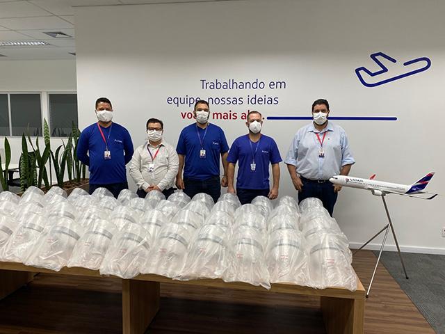 Centro de Manutenção da Latam entrega 1º lote de protetores faciais para hospitais