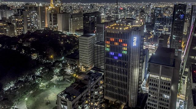 Tivoli Mofarrej São Paulo tem iluminação especial em apoio à causa LGBT