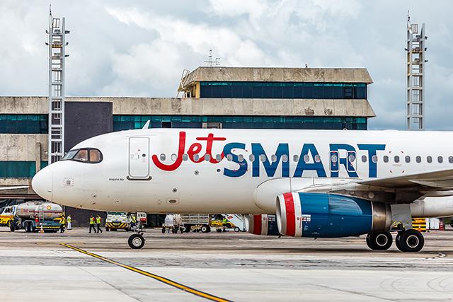 Jet Smart reinicia voos Salvador (BA) a Santiago (Chile) em outubro