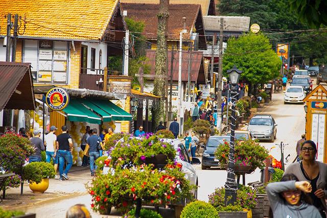Decreto aumenta para 70% a taxa de ocupação em hotéis de Monte Verde (MG)