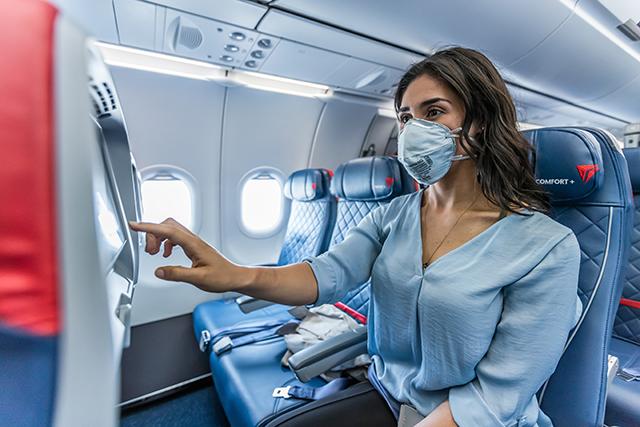 Delta bloqueia assentos do meio e limita capacidade de bordo