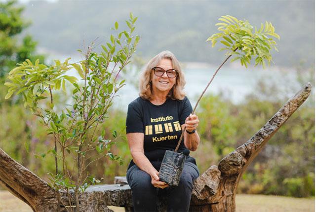 Ponta dos Ganchos Resort planta árvores em prol do Instituto Guga Kuerten