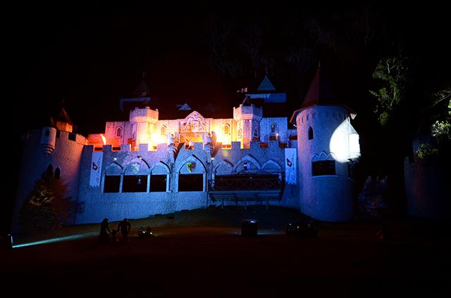 Novo show no Castelo abre a alta temporada do Le Canton