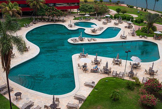 Royal Tulip Brasília conclui reforma de piscina