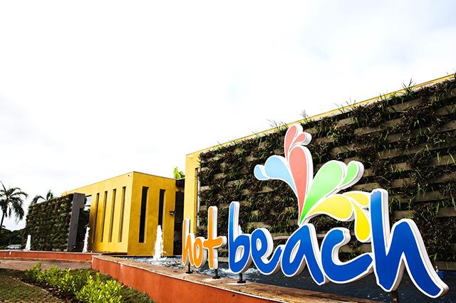 Parque aquático Hot Beach reabre nesta segunda-feira