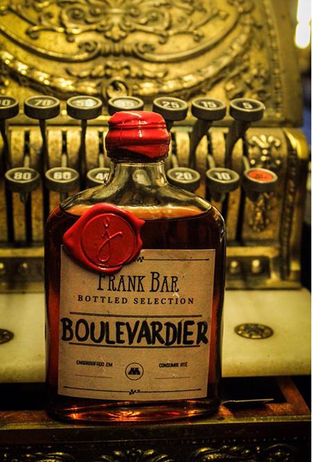 Frank Bar inova e envia drinques por delivery