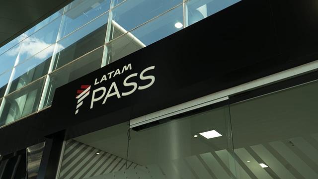 Latam inaugura novo espaço para passageiros frequentes em Guarulhos