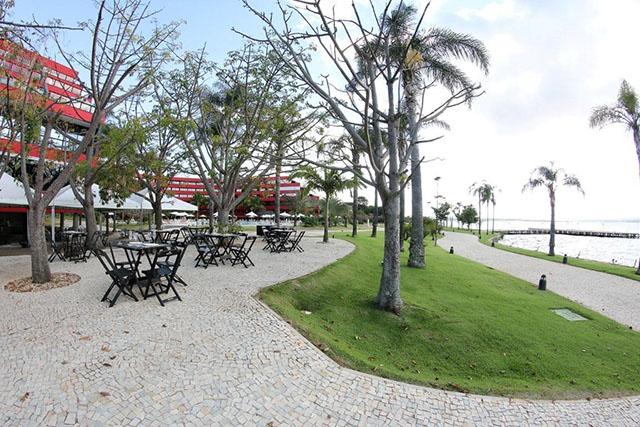 Royal Tulip Brasília Alvorada adapta espaços ao ar livre para eventos