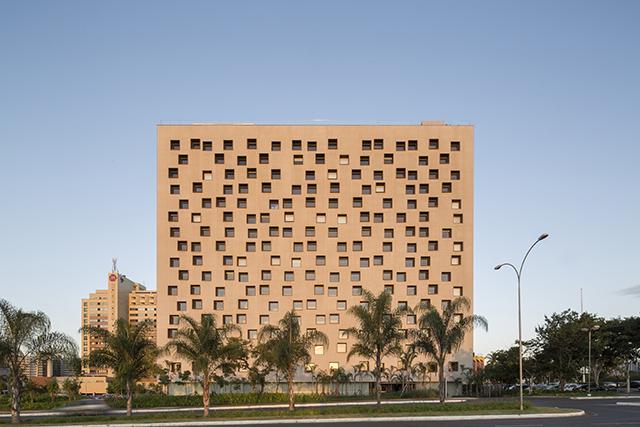 Com vacinação em ritmo acelerado, hotel em Brasília volta a crescer
