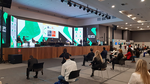 EXPO RETOMADA recebe mais de 800 visitantes testados no primeiro dia em Santos