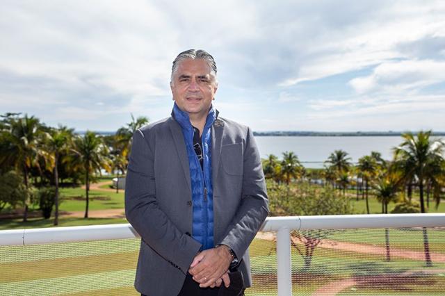 Vice-Presidente Sênior da Hard Rock Internacional visita obras no Brasil