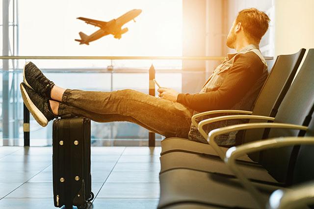 Pesquisa mostra que passagens aéreas ficam até 57% mais baratas com compra antecipada