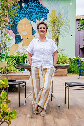 Ana Zambelli chega à Costa do Sauípe para comandar área de A&B