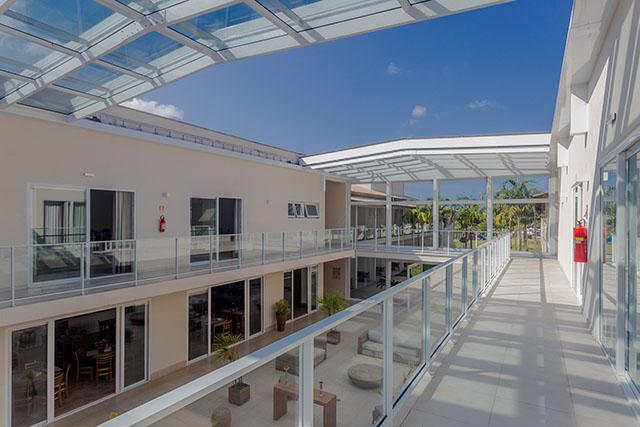 Beach Hotel Sunset contabiliza benefícios da utilização da energia solar