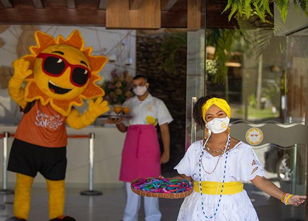 Cana Brava Resort (BA) comemora vacinação 100% dos colaboradores